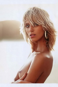 Anja Rubik Topless Pictures 00