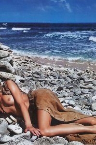 Anja Rubik Topless Pictures 05