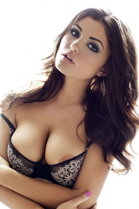 India Reynolds Showing Off Her Big Boobs 08