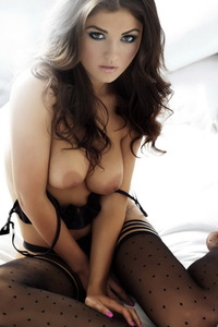 India Reynolds Showing Off Her Big Boobs 15