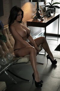 Amazing Lucy Pinder 05