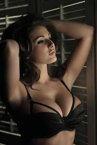 Amazing Lucy Pinder 06