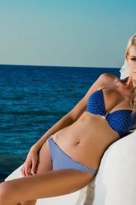 Beautiful Anna Maria Schneider Sexy Bikini Gallery 13