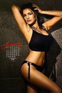 Kelly Brook Sexy Calendar Babe 01
