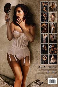 Kelly Brook Sexy Calendar Babe 13