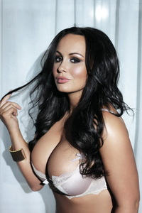 Chanelle Hayes Showing Off Her Amazing Big Boobs 10