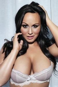 Chanelle Hayes Showing Off Her Amazing Big Boobs 11