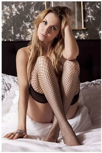Amazing Blonde Michelle Vieth Lingerie Photo Gallery 01
