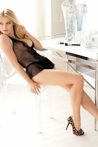 Beautiful Ashley Hinshaw Sexy Lingerie Photoshoot 00