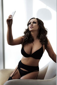 Chanelle Hayes In Sexy Black Lingerie 08