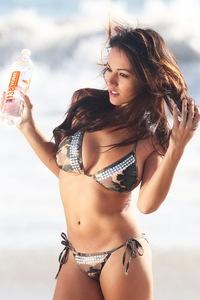 Katelynn Ansari Beach 00