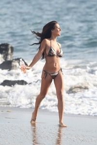 Katelynn Ansari Beach 01