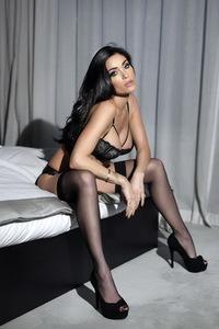 Jasmine Waltz Glamour Photoshoot 04