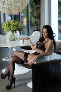 Jasmine Waltz Glamour Photoshoot 09