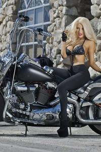 Courtney Stodden Harley 01