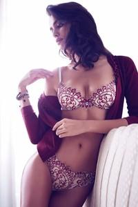 Irina Shayk Lingerie 01