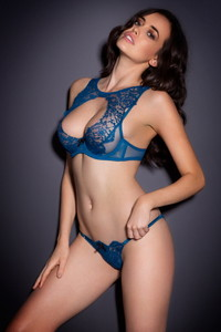 Sarah Stephens Breathtaking 08