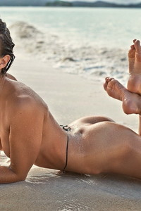 Nicole Meyer Nude Beach Photos 03