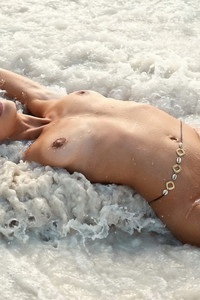 Nicole Meyer Nude Beach Photos 05