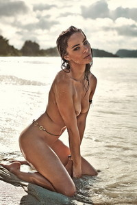 Nicole Meyer Nude Beach Photos 09
