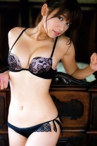 Sexy Hot Ikumi Hisamatsu Posing In Lingerie Sets 02