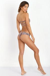 Leila Thomas In Sexy Bikini Collection 10