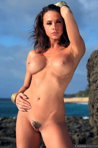 Lovely Babe Chanel Preston Naked At The Beach 08