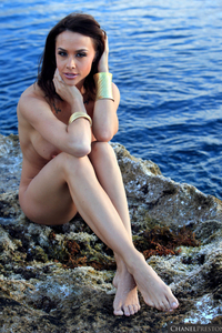 Lovely Babe Chanel Preston Naked At The Beach 11