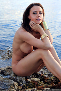 Lovely Babe Chanel Preston Naked At The Beach 12