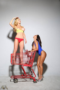 Sexy Shopping With Ava And Kayden 02