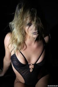 Sexy Blond Babe Heather Starlet 12