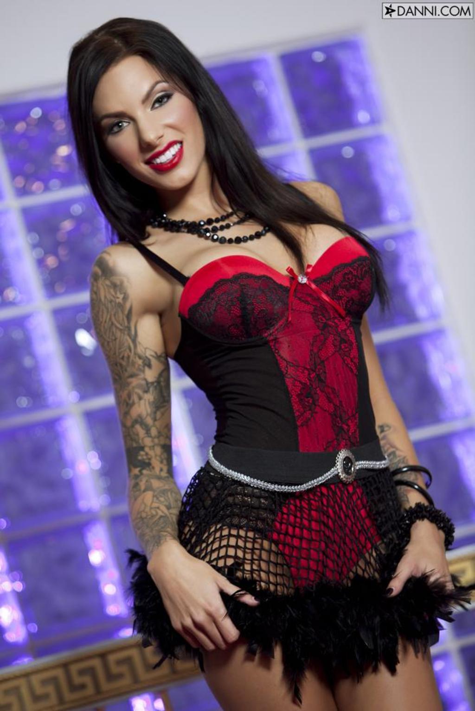 Juelz Ventura Sexy Lingerie Photos 00