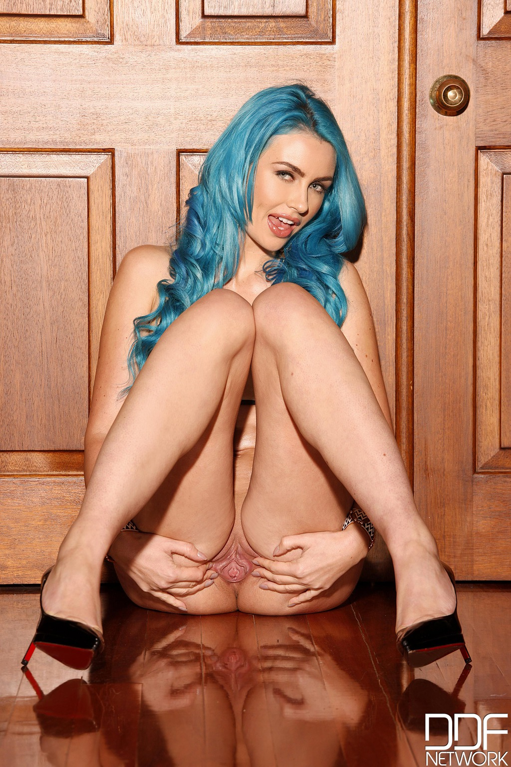 Blue Haired Angel Gigi Allens Stipping At Home 08