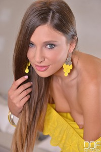 Talia Mint Threw Off Her Yellow Set 04