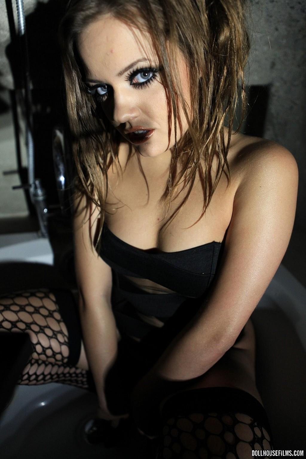 Ashlynn Leigh  Black Fishnet 02