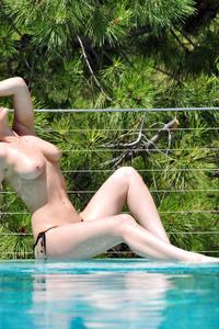 Anastasia Harris 09