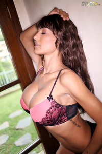 Fernanda Ferrari Shows Her Huge Tits 04