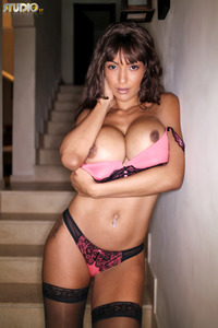Fernanda Ferrari Shows Her Huge Tits 15