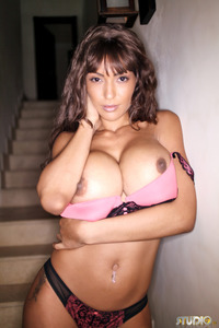 Fernanda Ferrari Shows Her Huge Tits 16