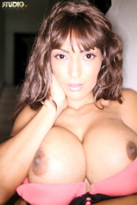 Fernanda Ferrari Shows Her Huge Tits 17