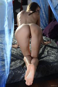 Skinny Belinda Always Waiting For Sex 05