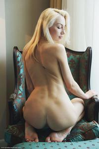 Angelic Jill Posing Naked 02