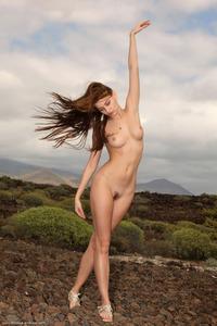 Amazing Beauty Belle Pics Series 16