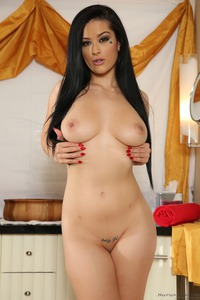 Black Haired Babe Gets Sensual Massage 11