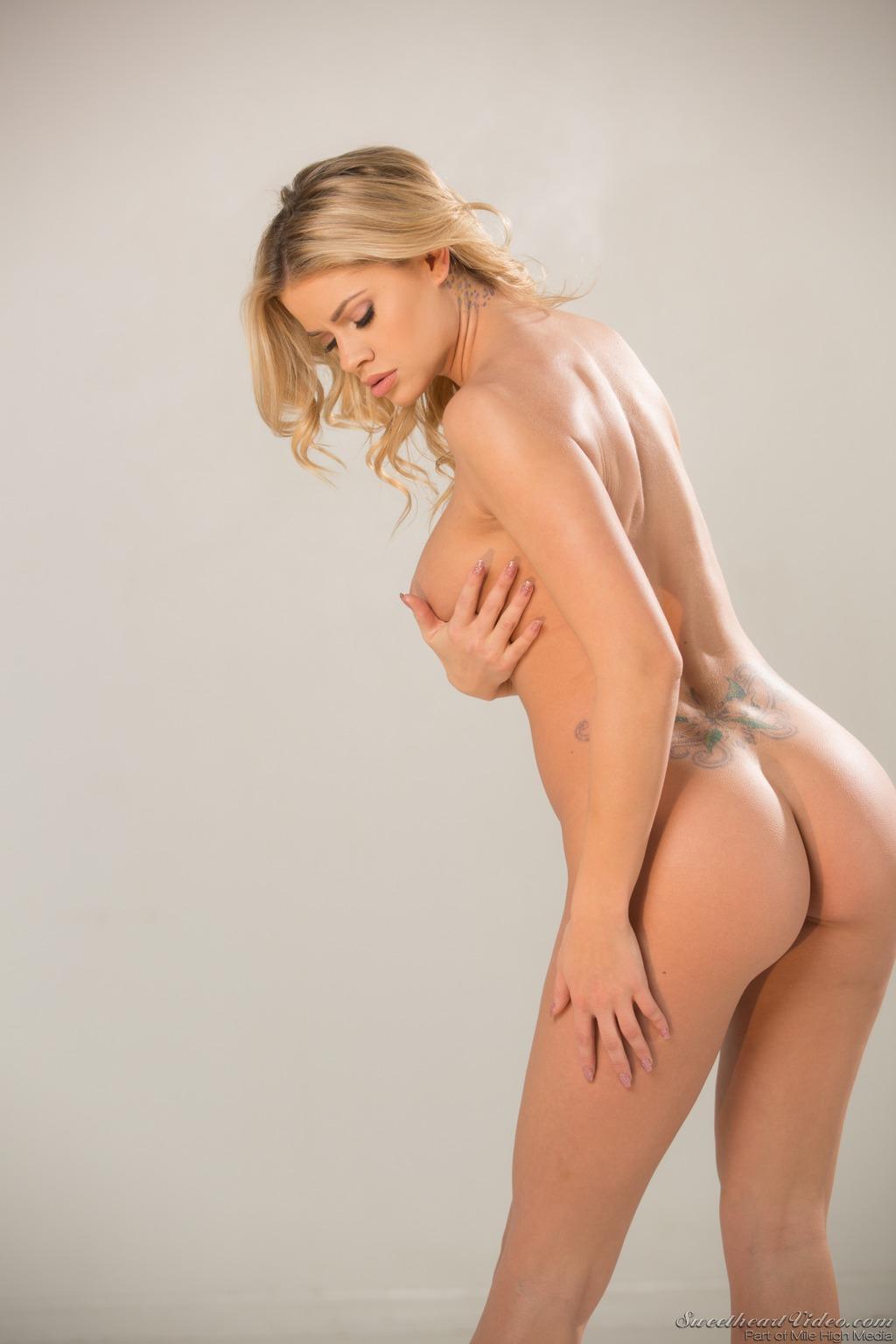Jessa Rhodes Spotty Lingerie 14