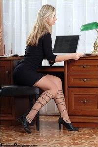 Blonde Babe In Hot Pantyhose 00