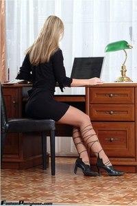 Blonde Babe In Hot Pantyhose 01