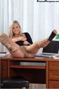 Blonde Babe In Hot Pantyhose 10