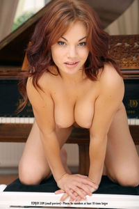 Nicci Naked Young Babe 08