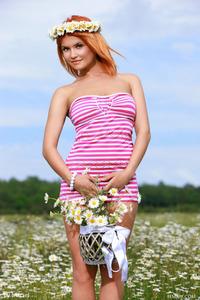 Dina White Teen Flower 00